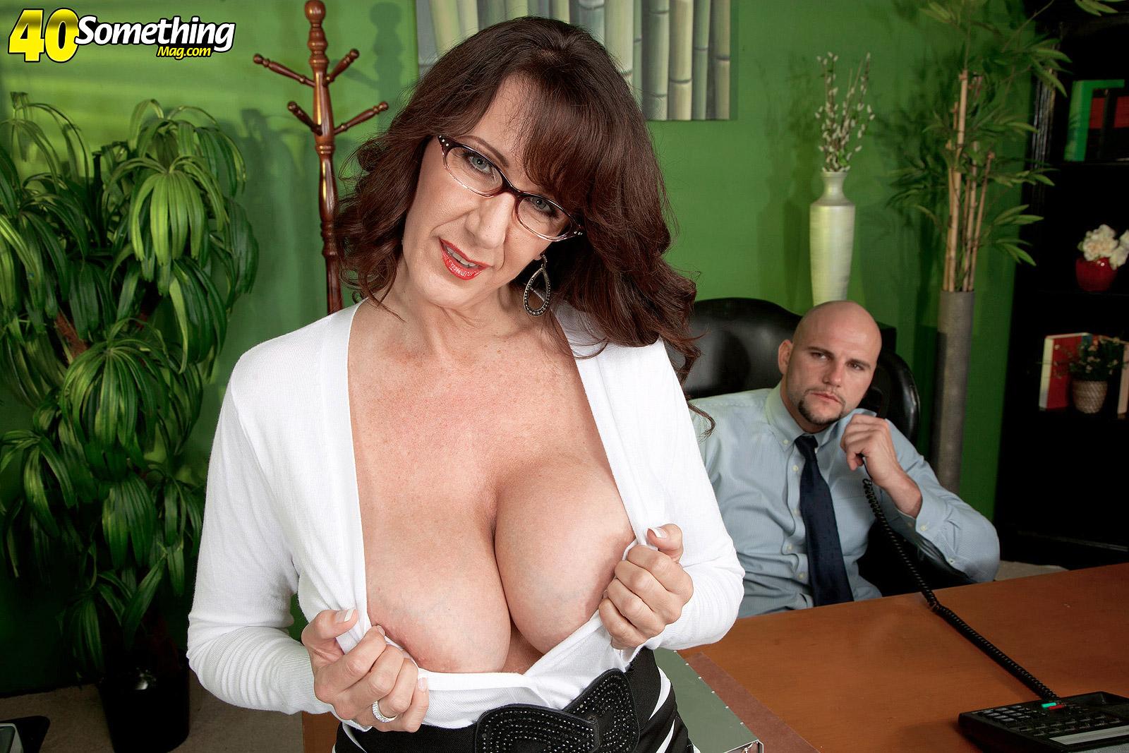 Училка фото зрелая, Сексуальные учительницы (училки) в порно фото архивах 3 фотография