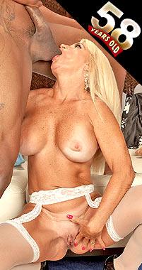 Julia Butt - XXX MILF photos