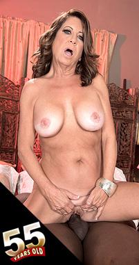 Karen DeVille - XXX MILF photos