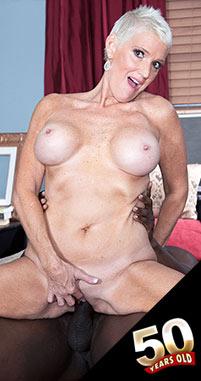 Lexy Cougar - XXX MILF photos