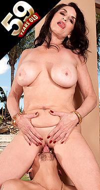 Rita Daniels - XXX MILF photos