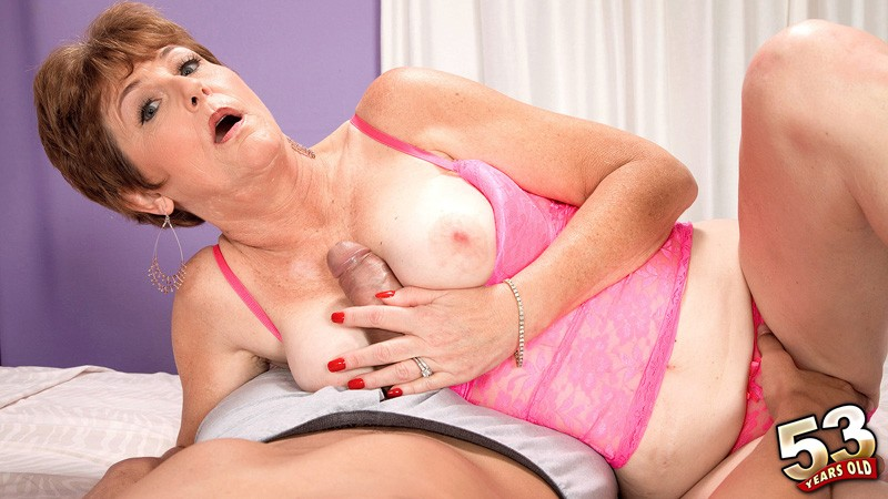 Allura James - XXX MILF video