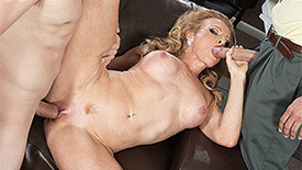 Amanda Verhooks - XXX MILF video screenshot #2