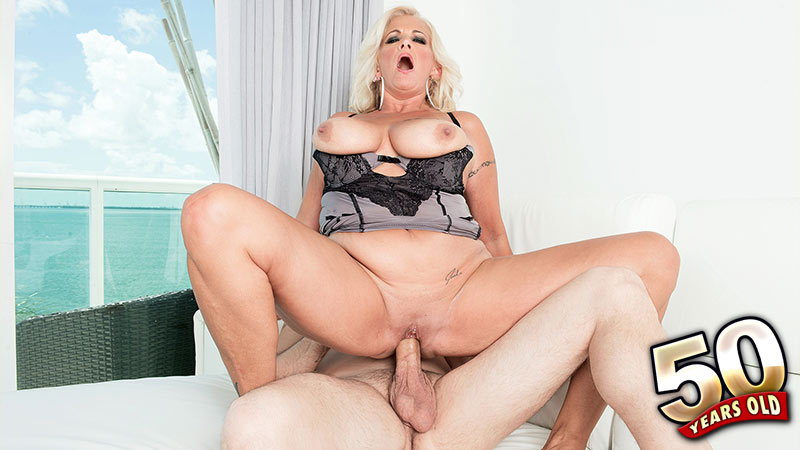 Brooklynn Rayne - XXX MILF video