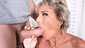Constance Joy - XXX MILF video screenshot #1