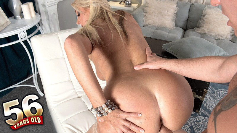 Dallas Matthews - XXX MILF video