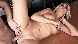 Dallas Matthews - XXX MILF video screenshot #3