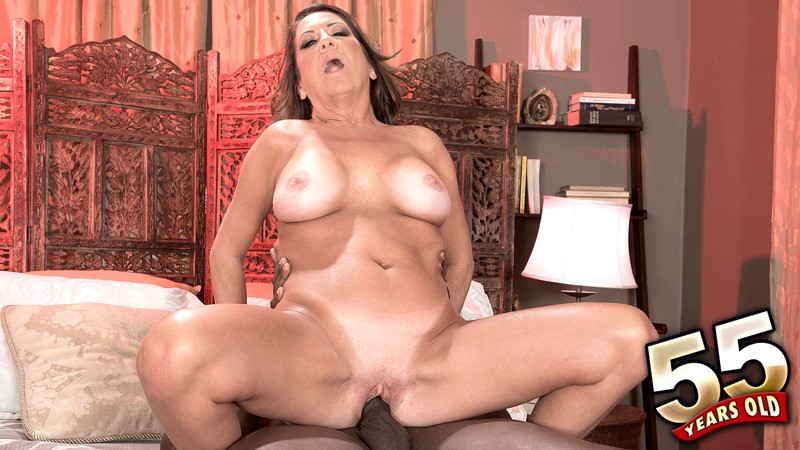 Karen DeVille - XXX MILF video