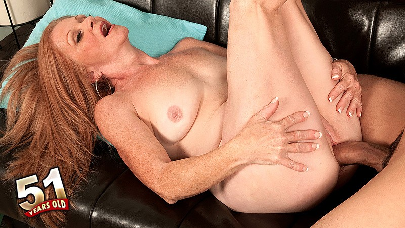 Misty Gold - XXX MILF video
