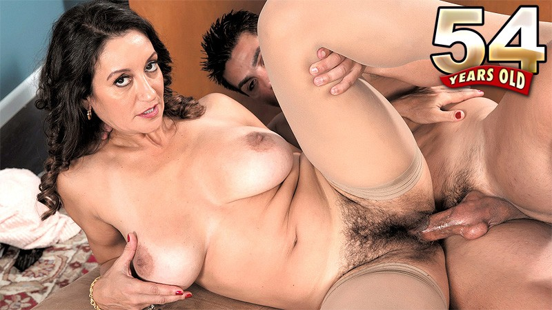 Persia Monir - XXX MILF video