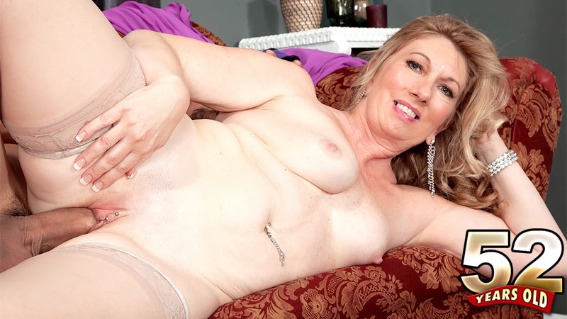 Summer Sands - XXX MILF video