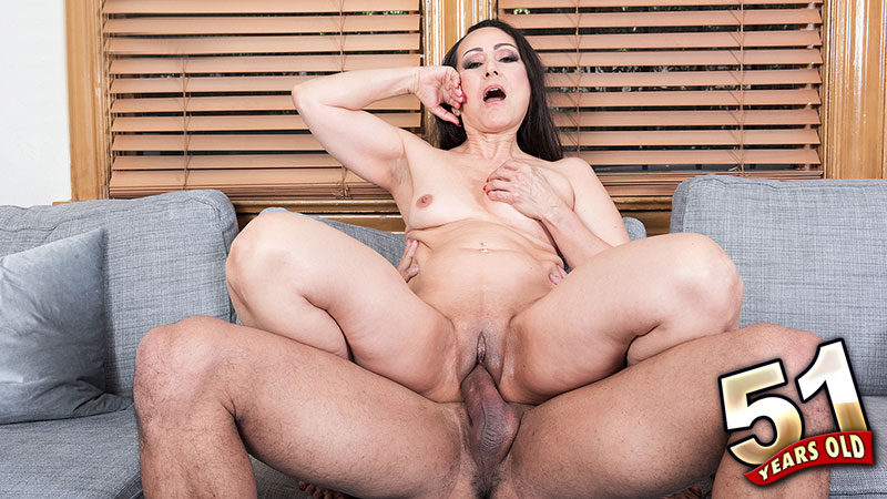 Talia Williams - XXX MILF video