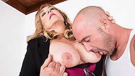 Texas Rose - XXX MILF video screenshot #1