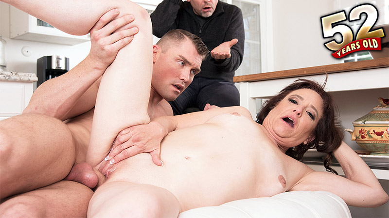 Whinny Spice - XXX MILF video