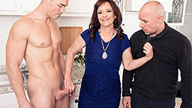 Whinny Spice - XXX MILF video screenshot #1