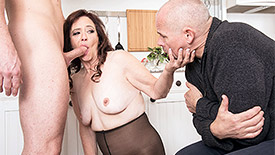 Whinny Spice - XXX MILF video screenshot #2