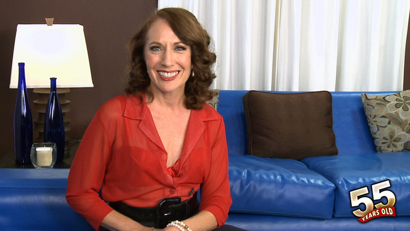 Carolyn Khols - Interview MILF video