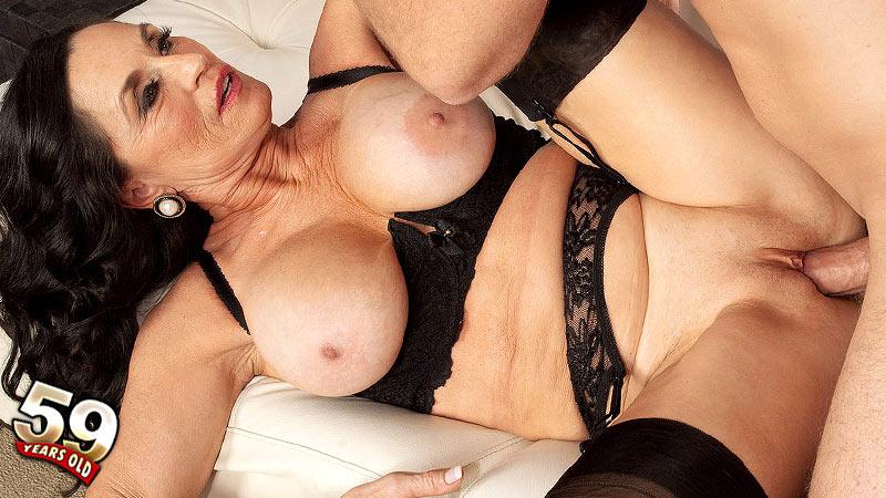 Rita Daniels - XXX MILF video
