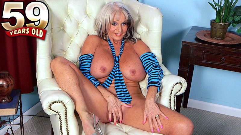Sally D'Angelo - Interview MILF video