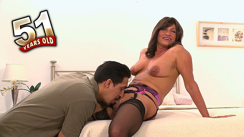 Trinity Powers - Interview MILF video