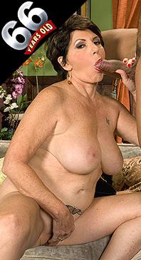 Bea Cummins - XXX Granny photos