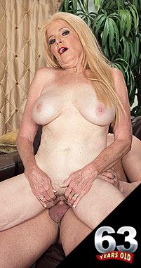 Charlie - XXX Granny photos