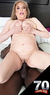 Crystal King - XXX Granny photos