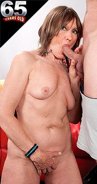 Donna Davidson - XXX Granny photos