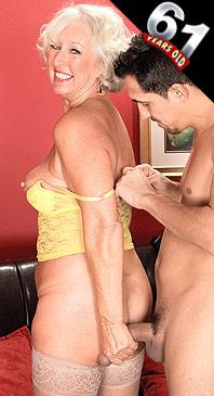 Jeannie Lou - XXX Granny photos
