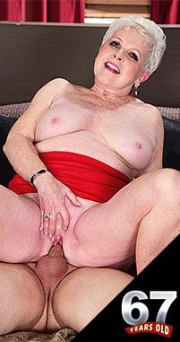 Jewel - XXX Granny photos