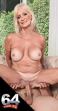 Leah L'Amour - XXX Granny photos