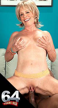 Lexi McCain - XXX Granny photos