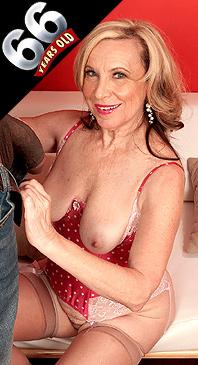 Miranda Torri - XXX Granny photos