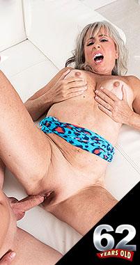 Silva Foxx - XXX Granny photos