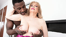 Crystal King - XXX Granny video screenshot 2