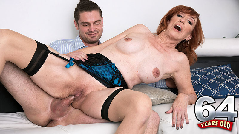Diamond Red - XXX MILF video