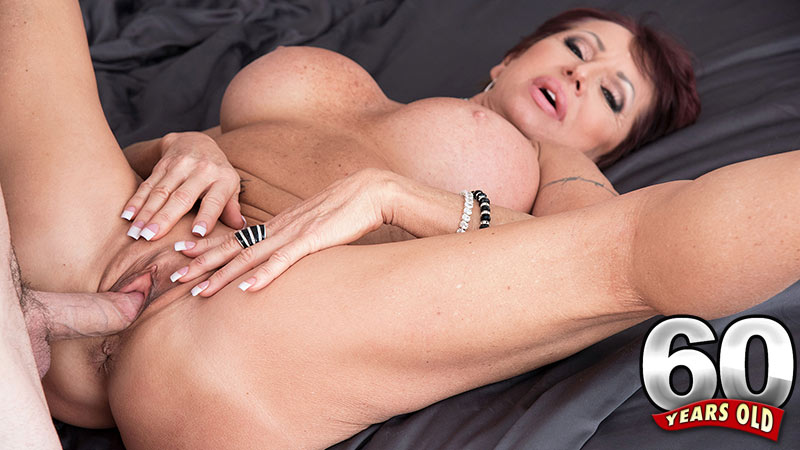 800 pounds of anal pleasure - 2 1