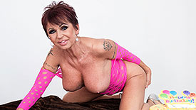 Gina Milano - Solo Granny video screenshot 1