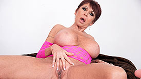 Gina Milano - Solo Granny video screenshot 2