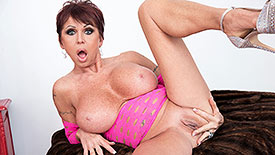 Gina Milano - Solo Granny video screenshot 3