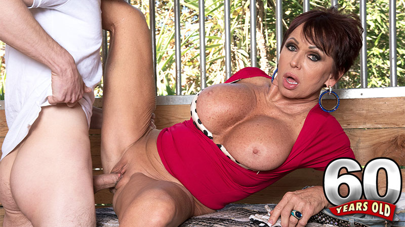 Gina Milano - XXX MILF video