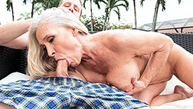 Katia - XXX Granny video screenshot 1