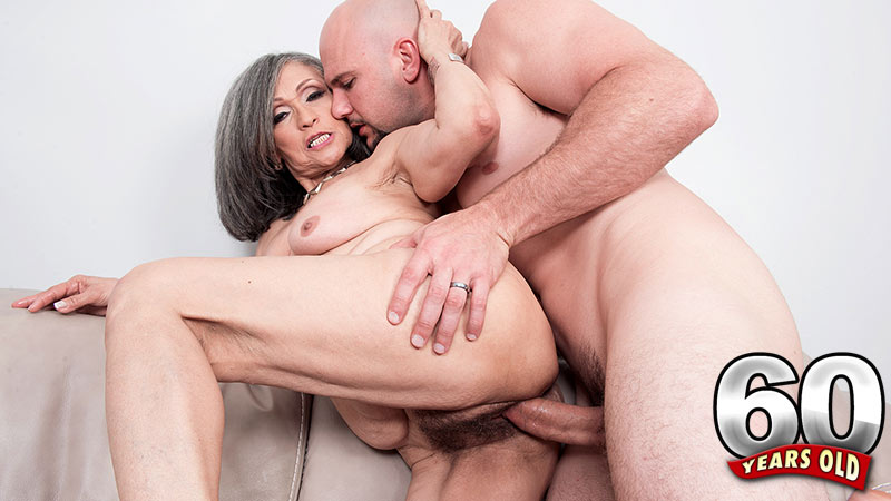 Kokie Del Coco - XXX MILF video