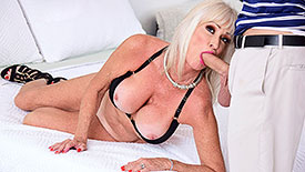 Leah L'Amour - XXX Granny video screenshot 1