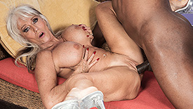 Sally D'Angelo - XXX Granny video screenshot 3