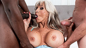 Sally D'Angelo - XXX Granny video screenshot 1