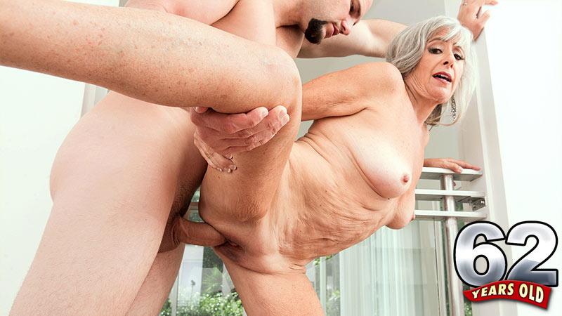 Silva Foxx - XXX Granny video