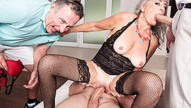 Silva Foxx - XXX Granny video screenshot 4