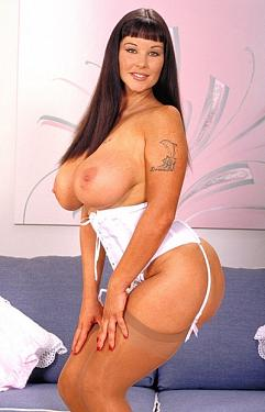 Bobbie Roxxs -  Big Tits model