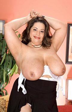 Tia Imea Big Tits 103